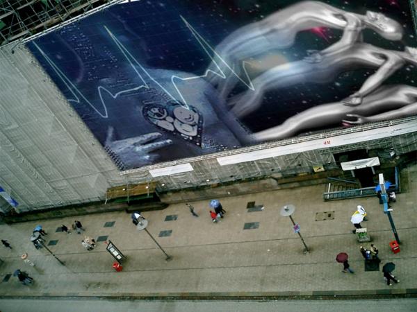 big_billboard_on_the_street_1dhnwrkuz